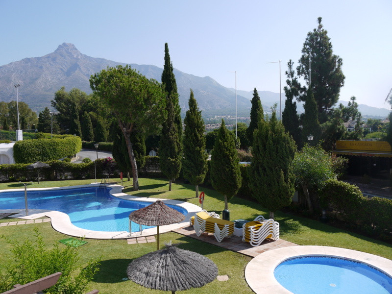 Ground Floor Apartment for sale in Marbella Golden Mile - Marbella Golden Mile Ground Floor Apartment - TMRO-R2490275