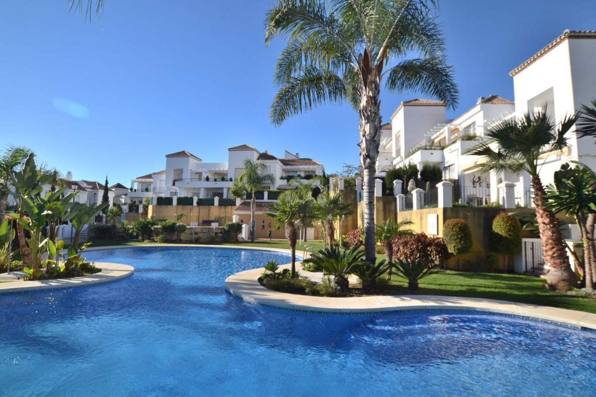 Penthouse for sale in Aloha - Nueva Andalucia Penthouse - TMRO-R3101759