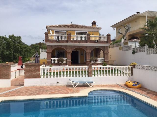 Villa for sale in Marbella - Marbella Villa - TMRO-R2411951