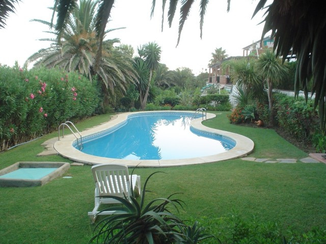 Estepona Ground Floor Apartment for Sale