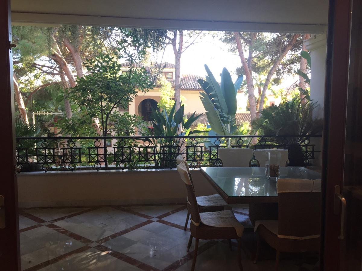 Apartment for sale in Los Monteros - Marbella East Apartment - TMRO-R3102374