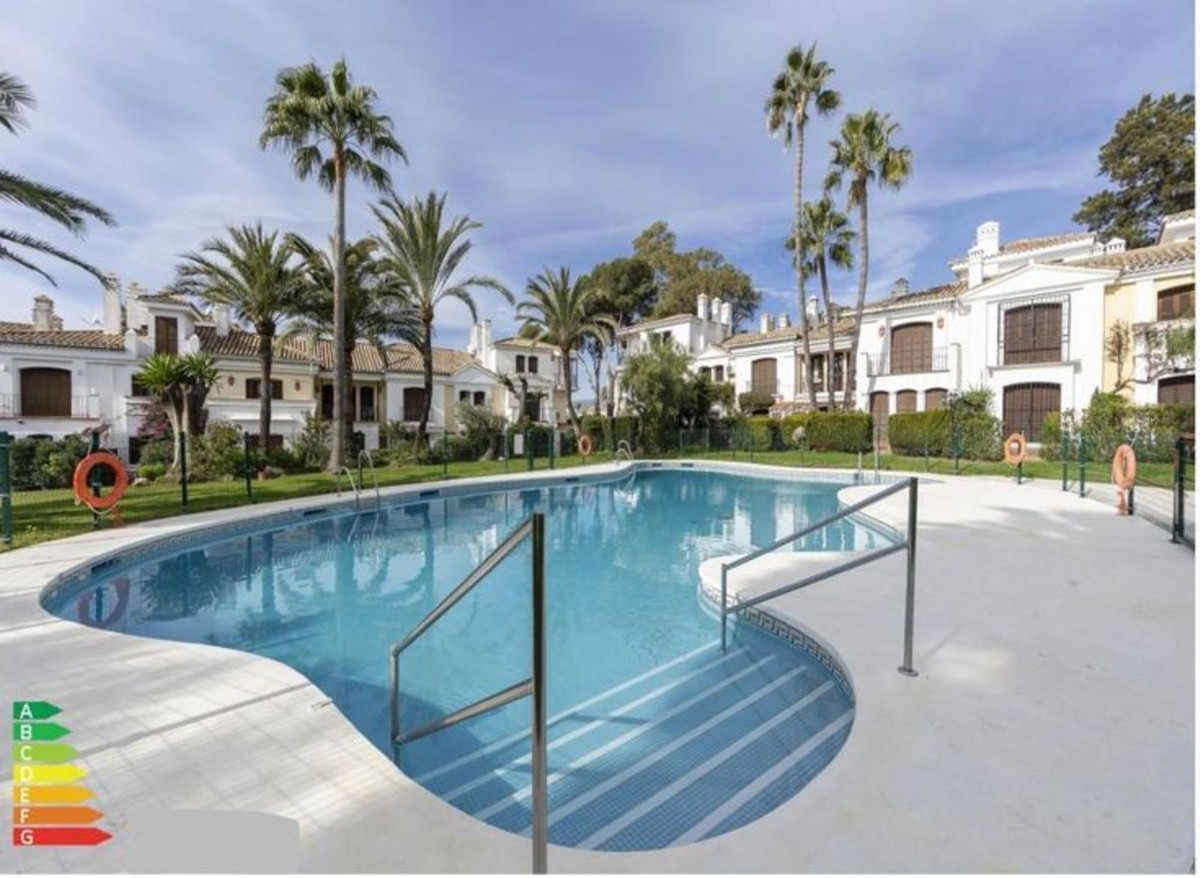 House - Estepona - R3887314 - mibgroup.es