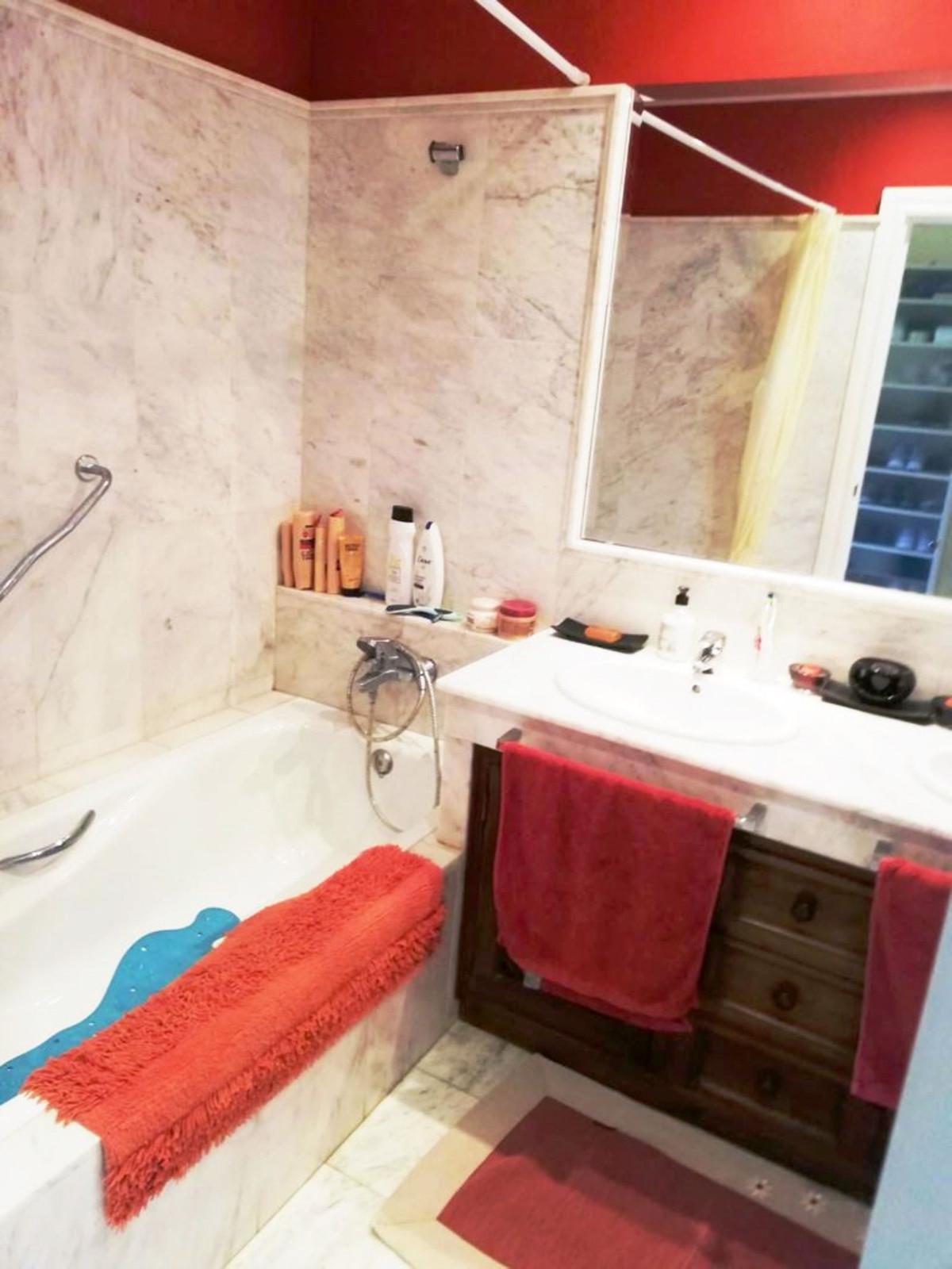 Apartment Middle Floor Benamara Málaga Costa del Sol R3909100 6