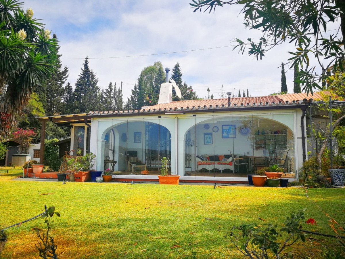 Finca Located in Estepona, Malaga, just 2km from the beaches, supermarket and other amenities. Only ,Spain