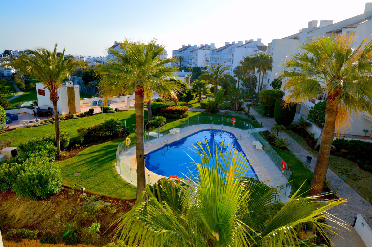 Wonderful duplex penthouse with amazing views of the sea, golf and mountains located in the exclusiv,Spain