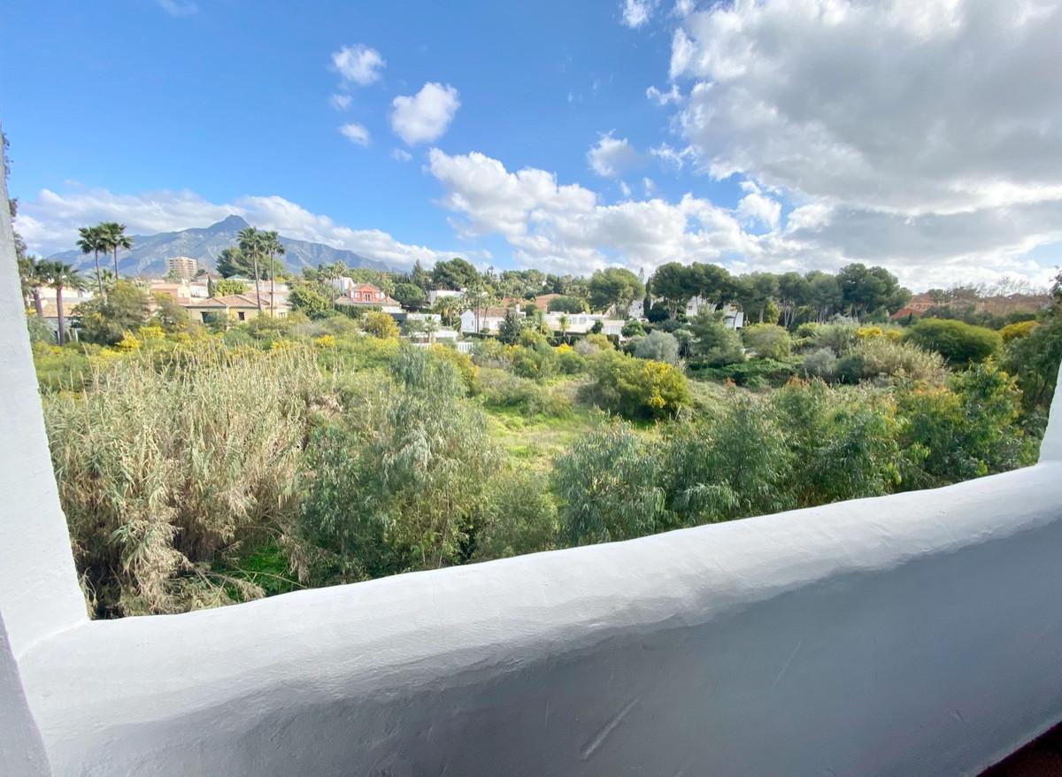 Marbella Banus Apartamento en Venta en Nueva Andalucía – R3800587