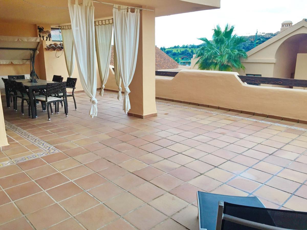 Apartamento Planta Baja en Venta en Benahavís – R2747201