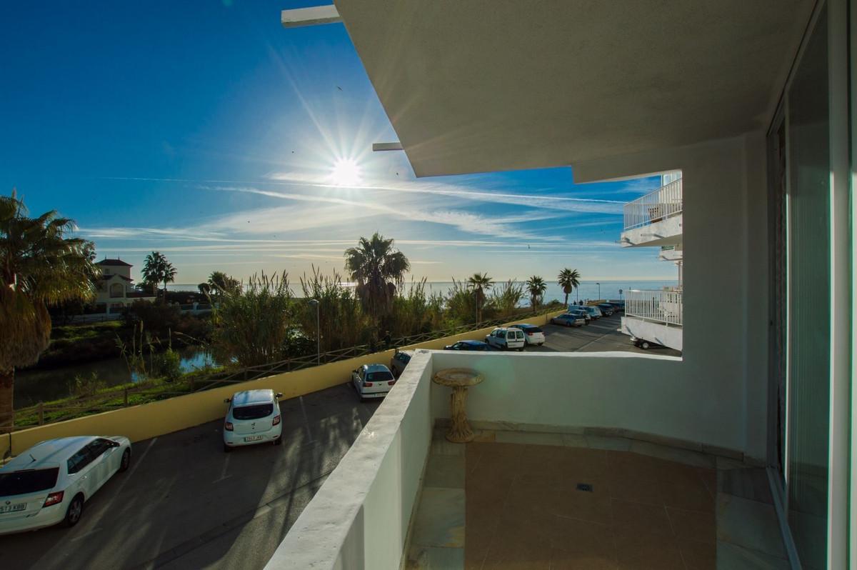 Apartamento Planta Media en Venta en San Pedro de Alcántara – R3054457