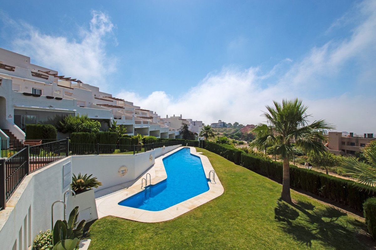 Amazing price.!!!!  Spacious and comfortable townhouse  located in an exclusive Andalusian style res,Spain