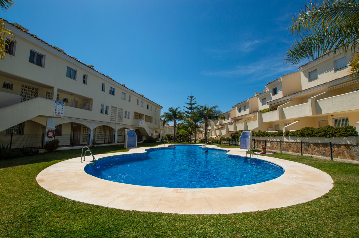 BEAUTIFUL TOP FLOOR IN CALAHONDA – The property is within a gated and guarded complex, offers landsc,Spain
