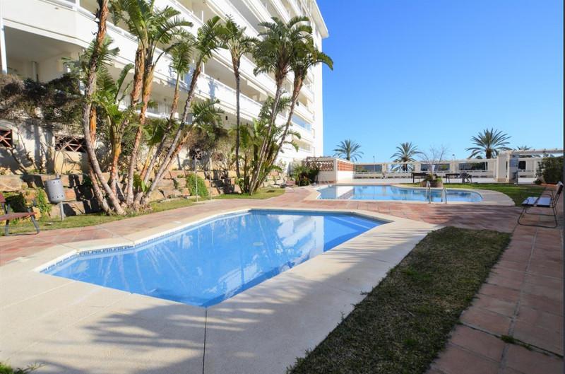 Marbella Banus Apartamento Planta Media en venta en Marbella – R3158659