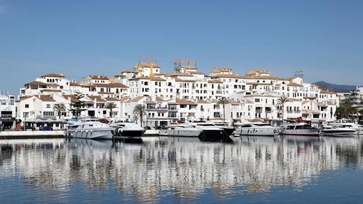 Marbella Banus Apartamento en Venta en Puerto Banús – R3526234