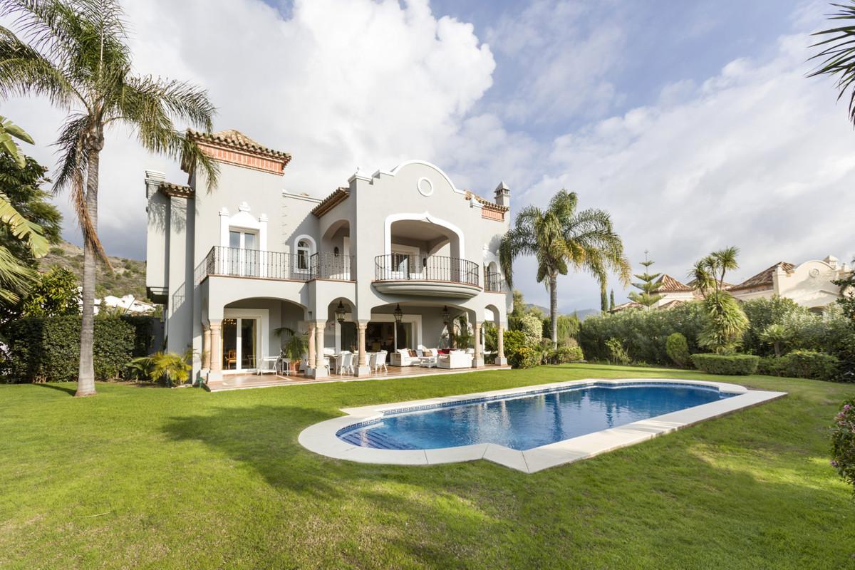 Unique, luxury 5 berdoom villa with breathtaking sea views in La Quinta, Benahavis  Exclusive and st,Spain