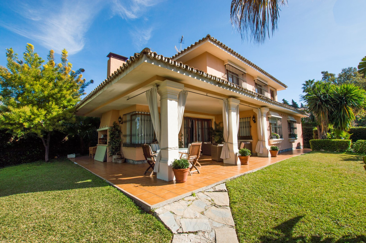 MOTIVATED SELLER!! Delightful, sophisticated villa situated on The Golden Mile of Marbella, in close, Spain