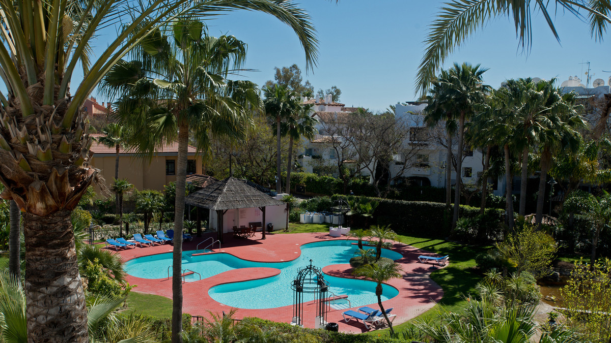 Luxury duplex penthouse on the second floor, two bedrooms, easily convertible into three, facing sou,Spain