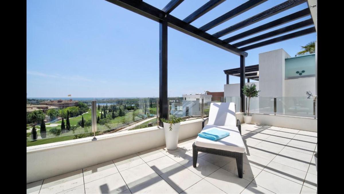 Marbella Banus Apartamento Planta Media en Venta en Los Flamingos – R3740536