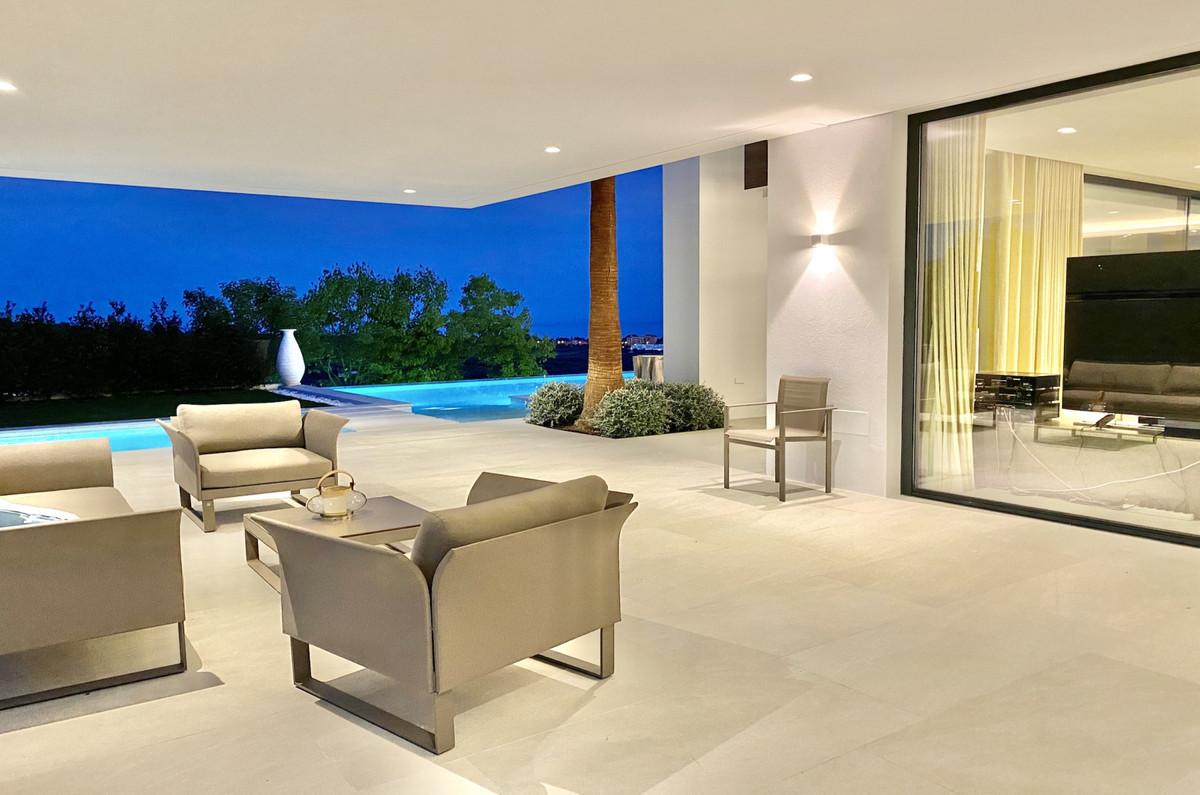 Villa Detached in Los Flamingos, Costa del Sol