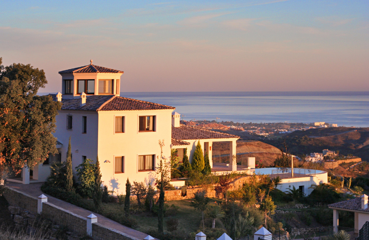 Detached Villa for sale in Benahavís R3632129