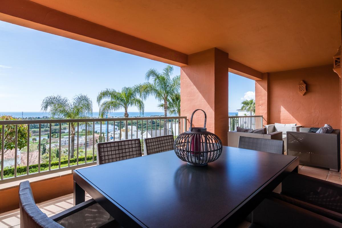 Apartamento Planta Media en Venta en Los Flamingos – R3118861