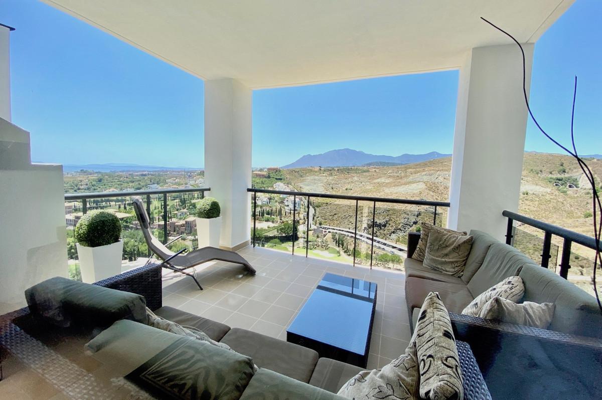 Apartamento Planta Media en Venta en Los Flamingos – R3393922