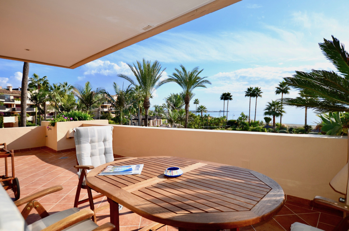 The best positioned 2 bed front line beach apartment in Costalita Del Mar, the exclusive development,Spain