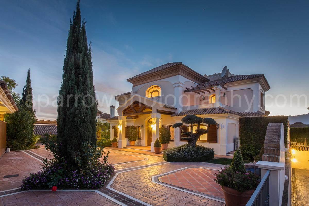 Marbella Banus Villa – Chalet en Venta en Los Flamingos – R2861693
