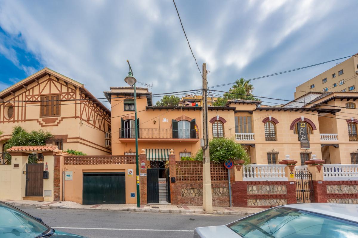 Unifamiliar  Adosada en venta   en Málaga