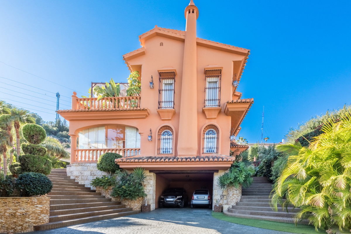 Spectacular villa with three floors to live with finishes and details of the highest quality.,Spain