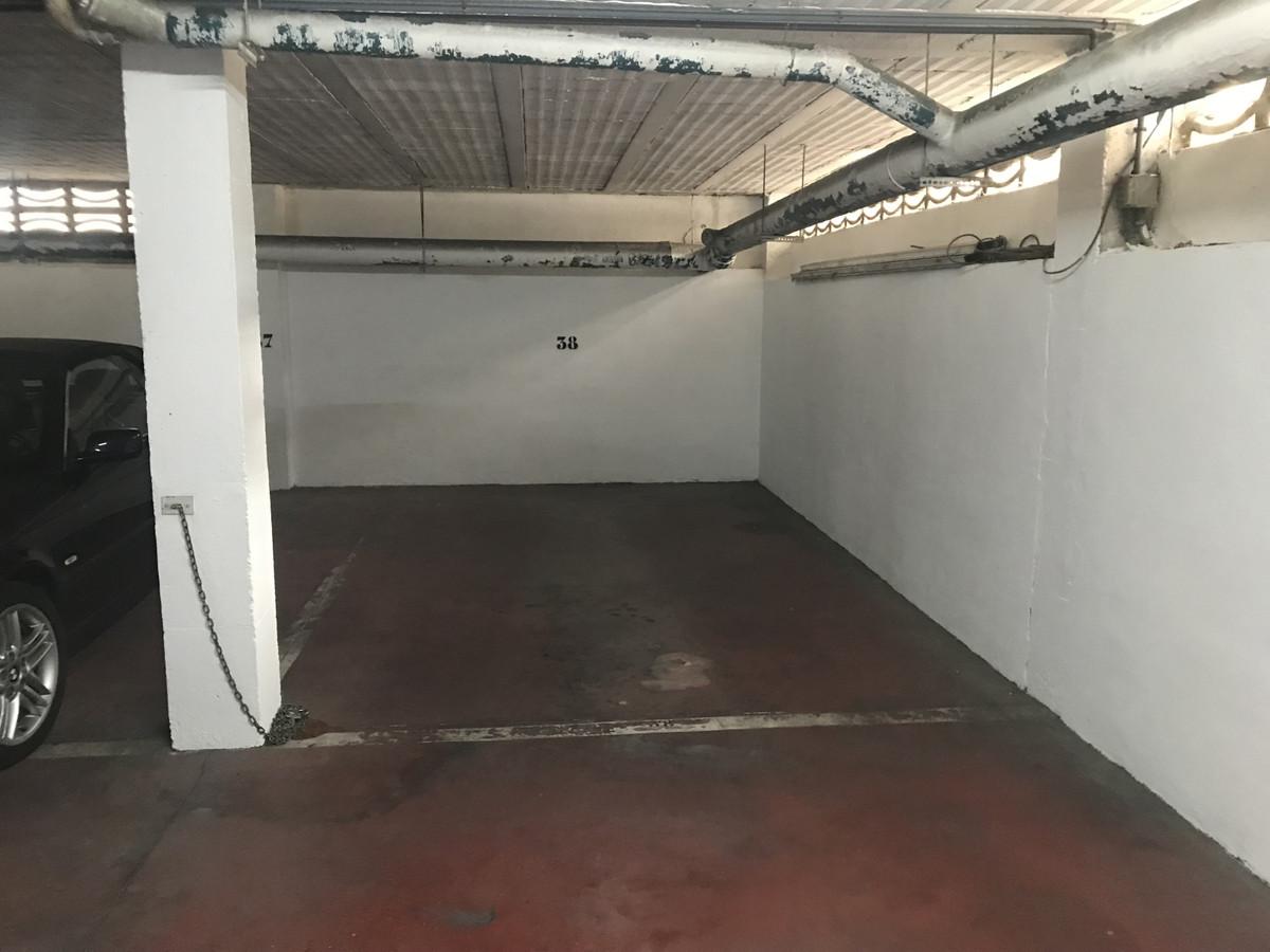 Comercial Aparcamiento 0 Dormitorio(s) en Venta Marbella