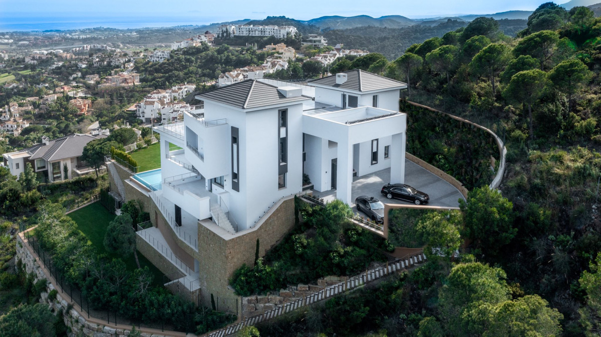 Villa Thalassa is an imposing property located in one of the most exclusive areas of the Costa del S,Spain