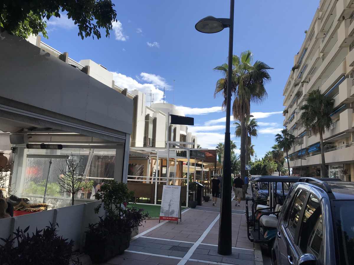 Commercial space ideal for shop or office inside of Business Centre in Puerto Banus with underground, Spain