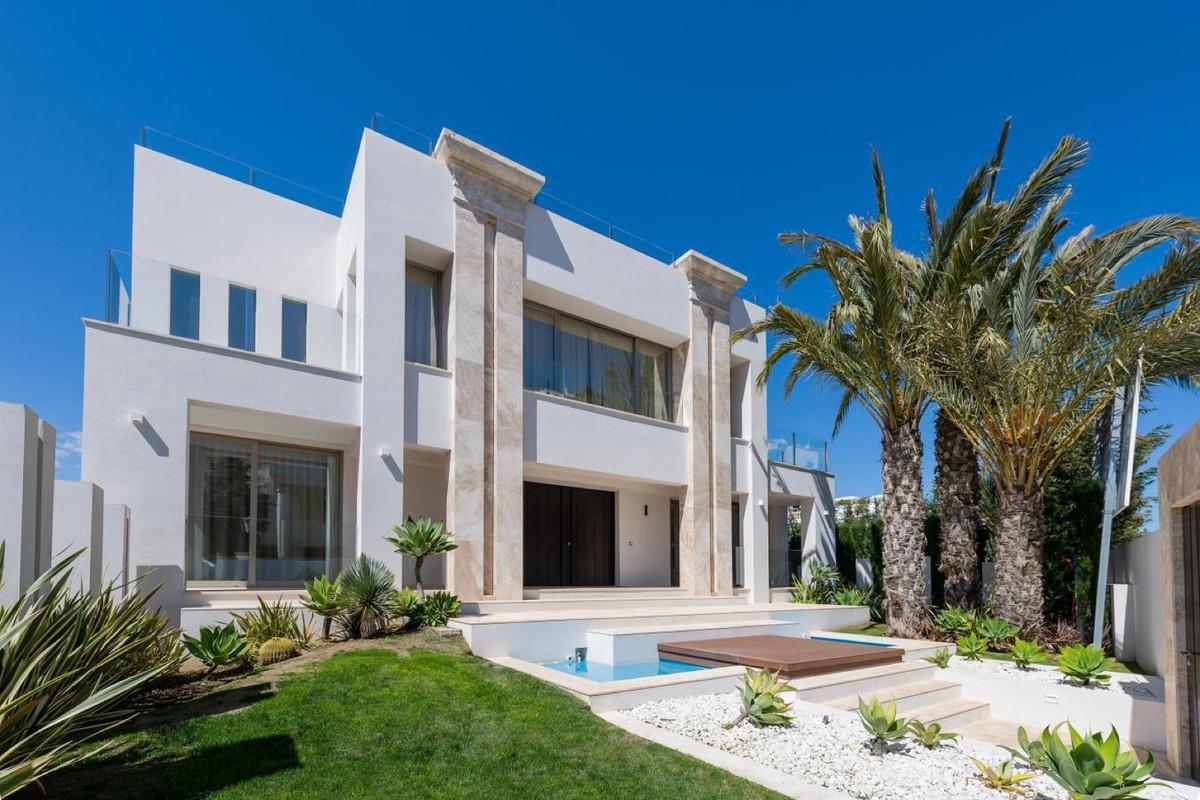 Marbella Banus Villa – Chalet en Venta en Puerto Banús – R3312118