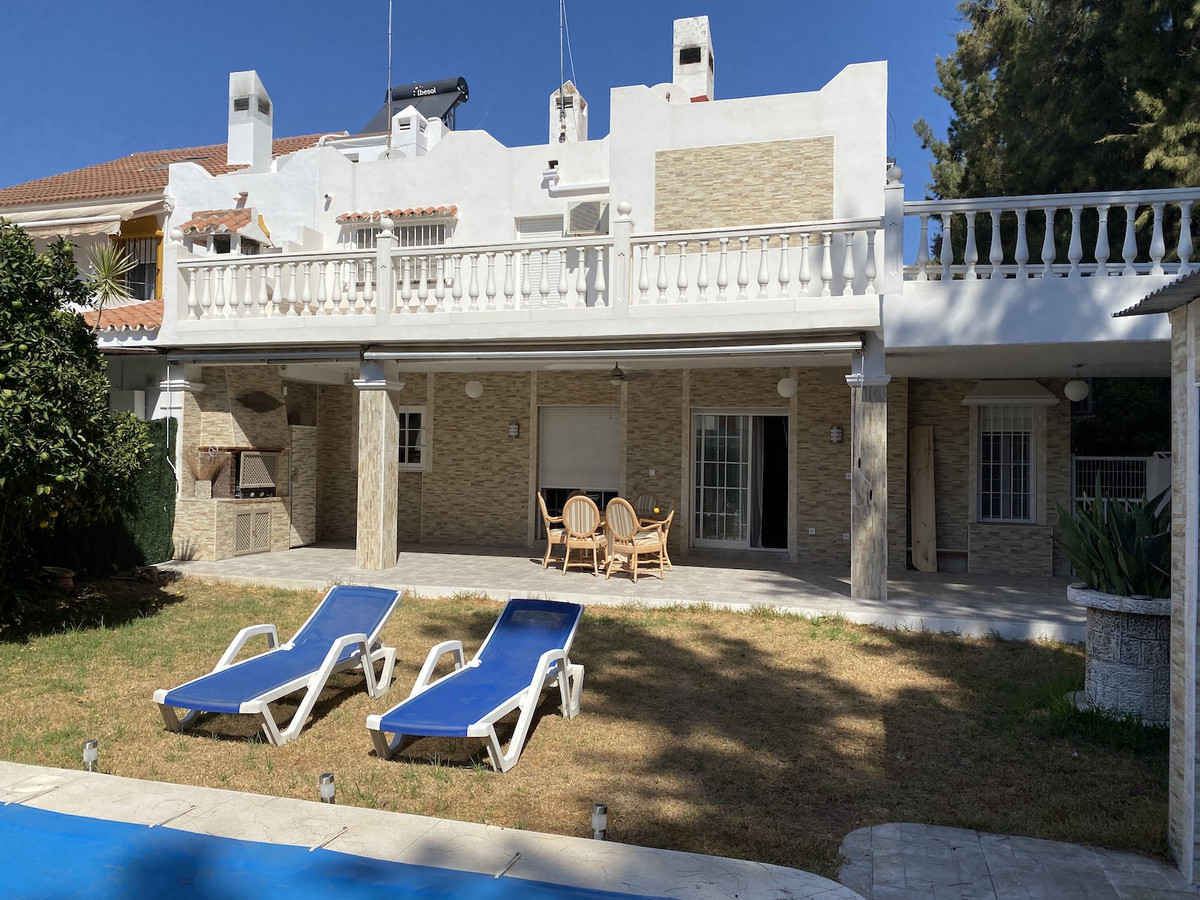 Townhouse for sale in Nueva Andalucía R3706223