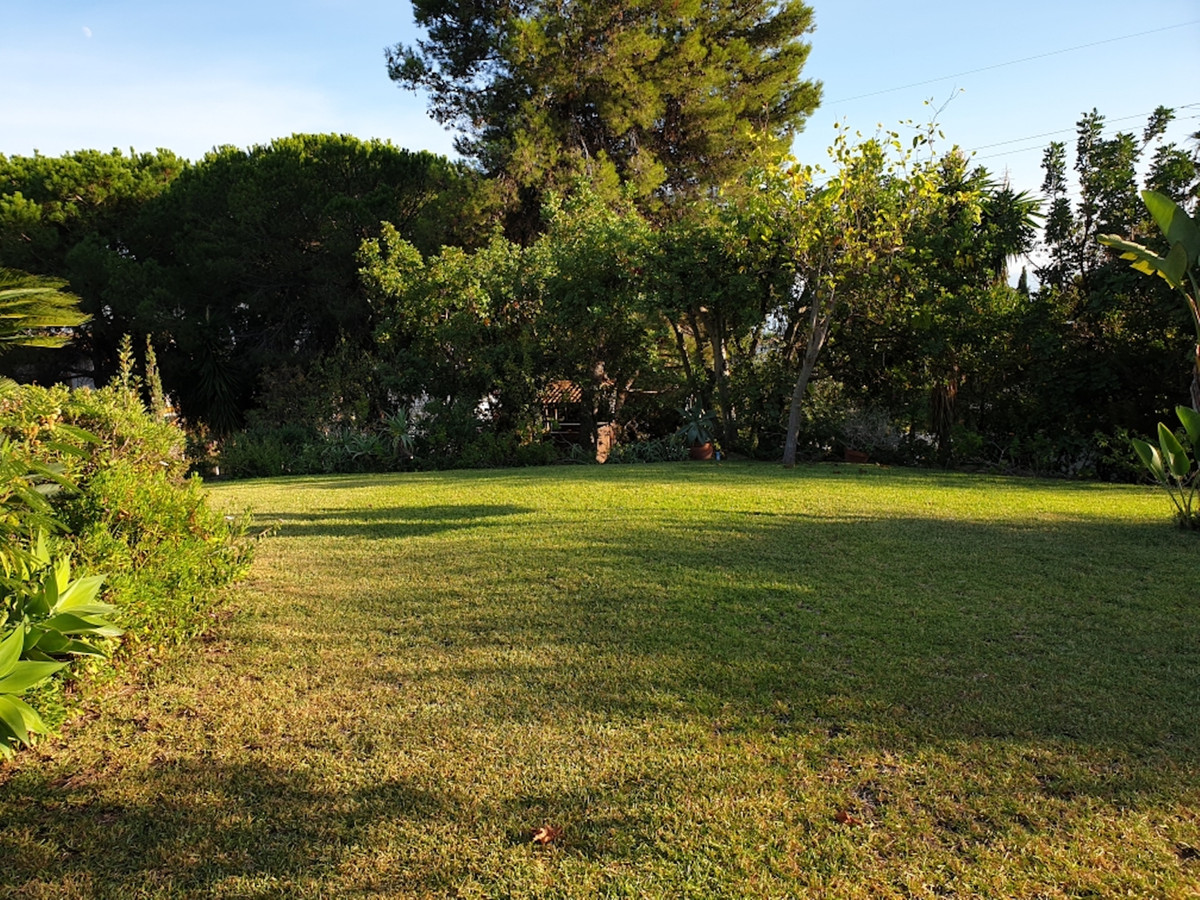 The residential plot with a license to build a new villa of 500 m2.  in El Rosario !Is located in th,Spain