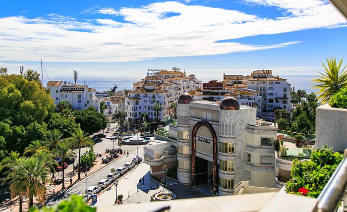 Marbella Banus Ático en Venta en Puerto Banús – R3290788
