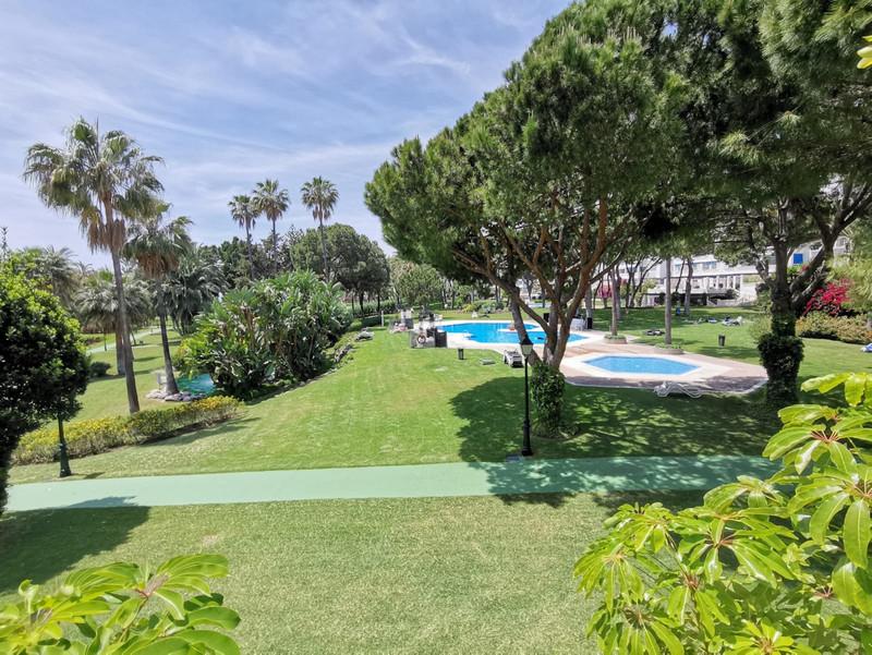 Marbella Banus Apartamento Planta Baja en venta, Puerto Banús – R3417409