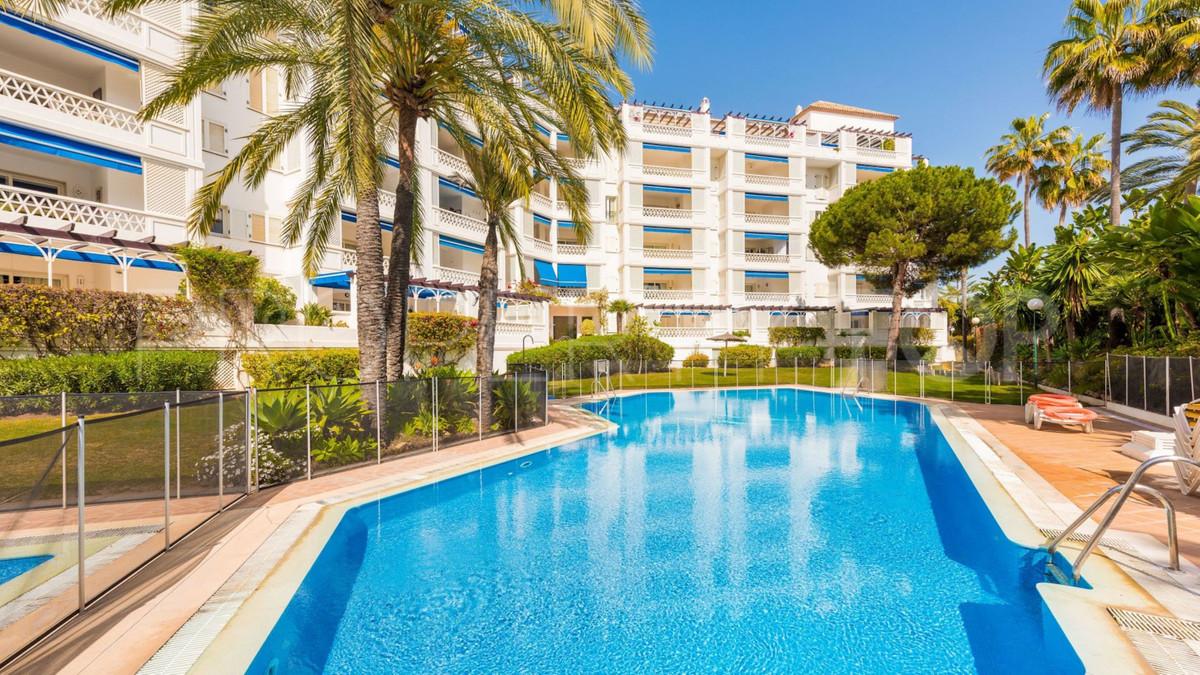 Marbella Banus Apartamento Planta Baja en Venta en Puerto Banús – R3515404
