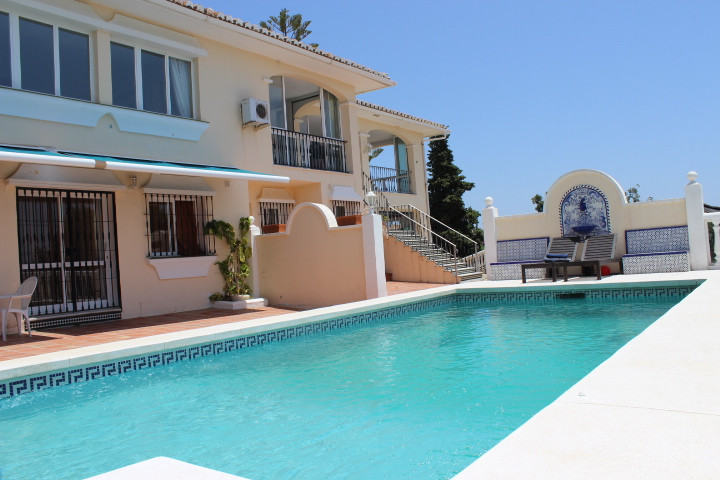 The villa is located in a privileged location in an ideal setting with all the amenities nearby. The,Spain