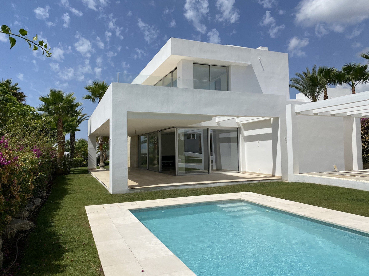 Detached Villa for sale in Río Real R3303781