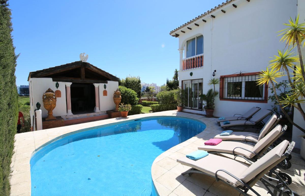 Villa – Chalet en Venta en Puerto Banús – R3425710