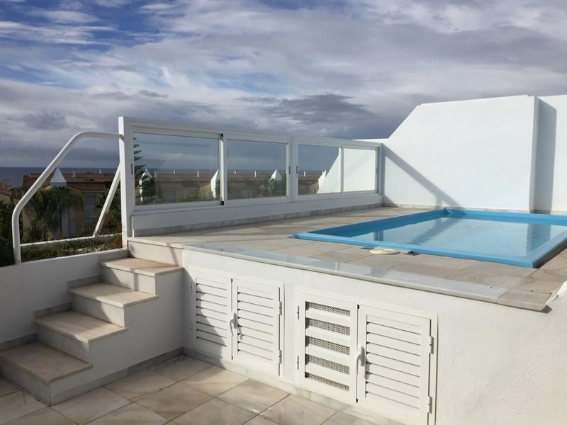 Ático en venta en Bahía de Marbella – R2702738