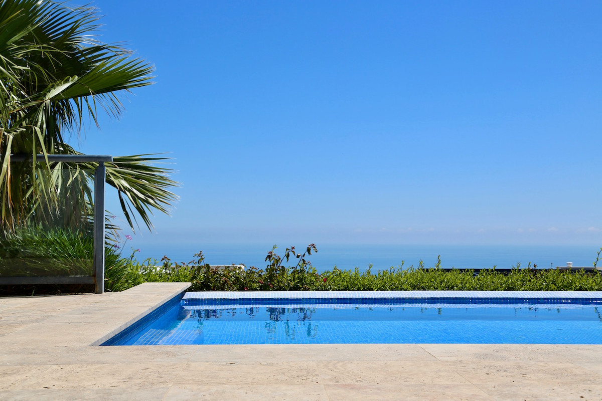 Outstanding villa for sale in Benalmadena !!   Built in 2012 and situated in the prestigious Stupa H, Spain