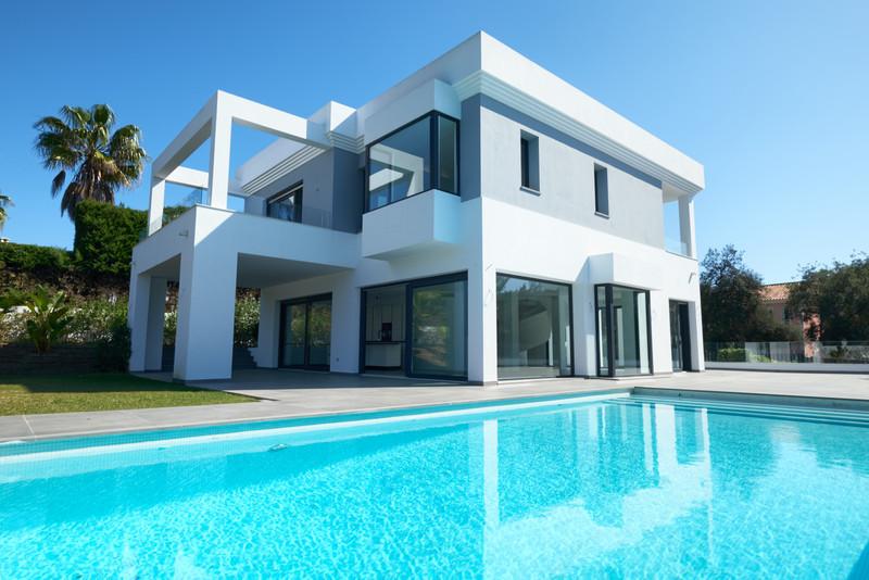 Villa – Chalet en venta en Las Chapas – R3615008