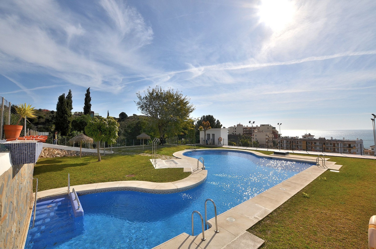 Townhouse with beautiful SEA VIEWS located in Benalmadena Costa, a few meters from Carvajal entrance,Spain