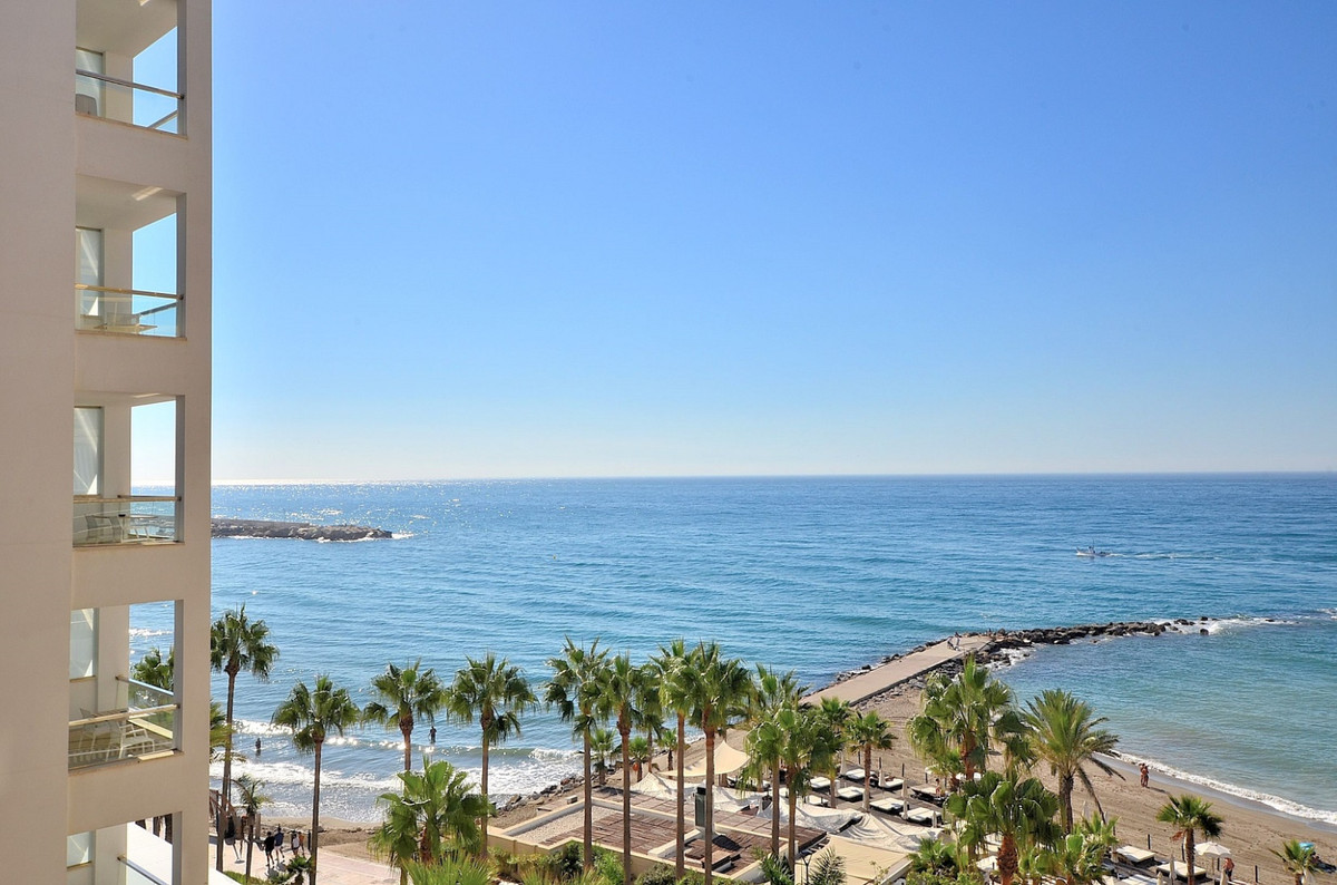 Beautiful FRONT LINE BEACH APARTMENT WITH NICE SEA VIEWS located in Marbella. The Mayoral building, , Spain