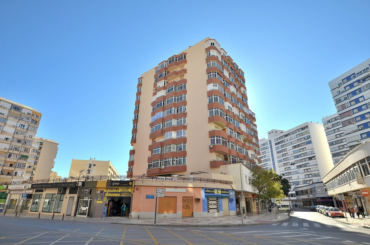 Nice studio located in Torremolinos center.  PRIME LOCATION walking distance to all amenities.  West, Spain