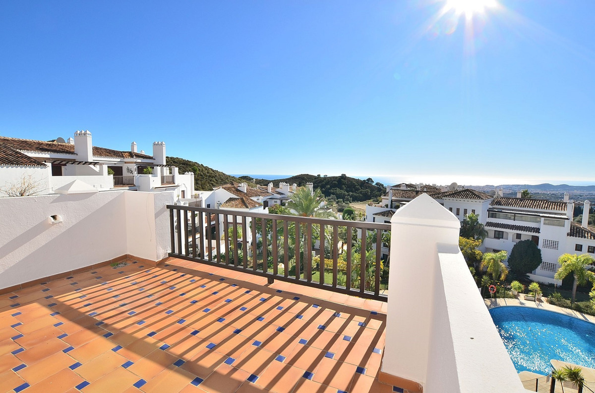 Apartment with WONDERFUL VIEWS located in Mijas, in a beautiful gated urbanization with 2 communal p,Spain