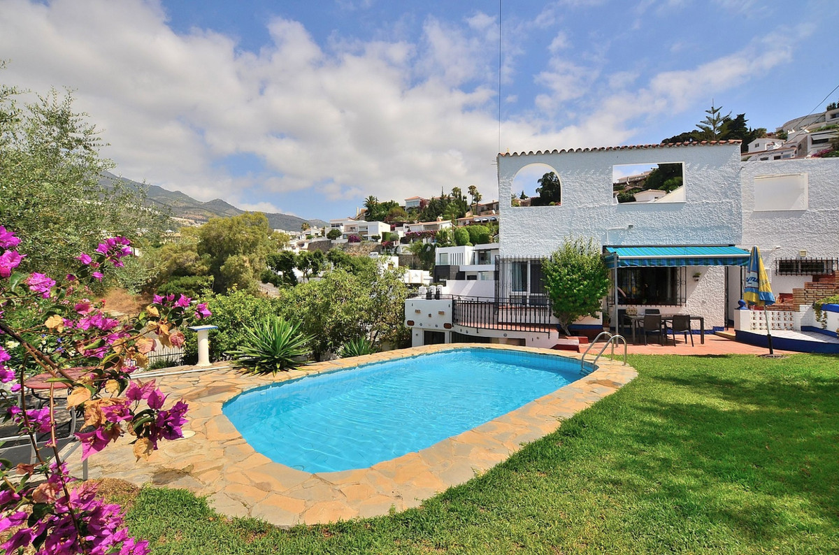 Beautiful Villa located in lower TORREMUELLE (Benalmadena Costa) at only 200 METERS FROM THE BEACH. ,Spain