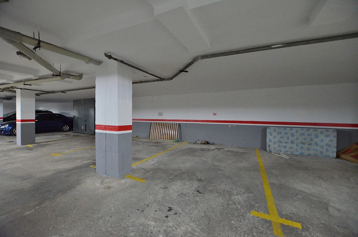 Opportunity to purchase an UNDERGROUND PARKING SPACE in the renowned La Carihuela area (Torremolinos, Spain