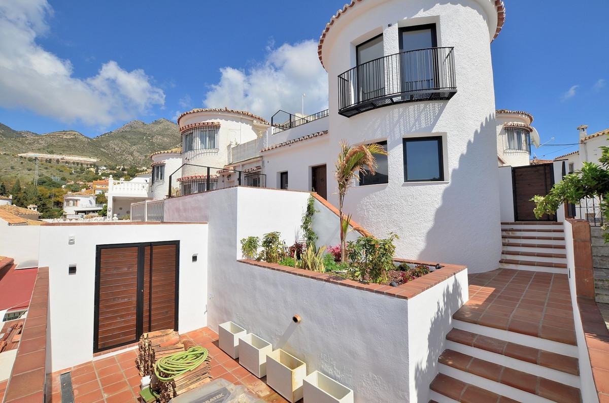 UNIQUE SEMI-DETACHED located in Arroyo de la Miel (Benalmadena). Prime location close to amenities a,Spain